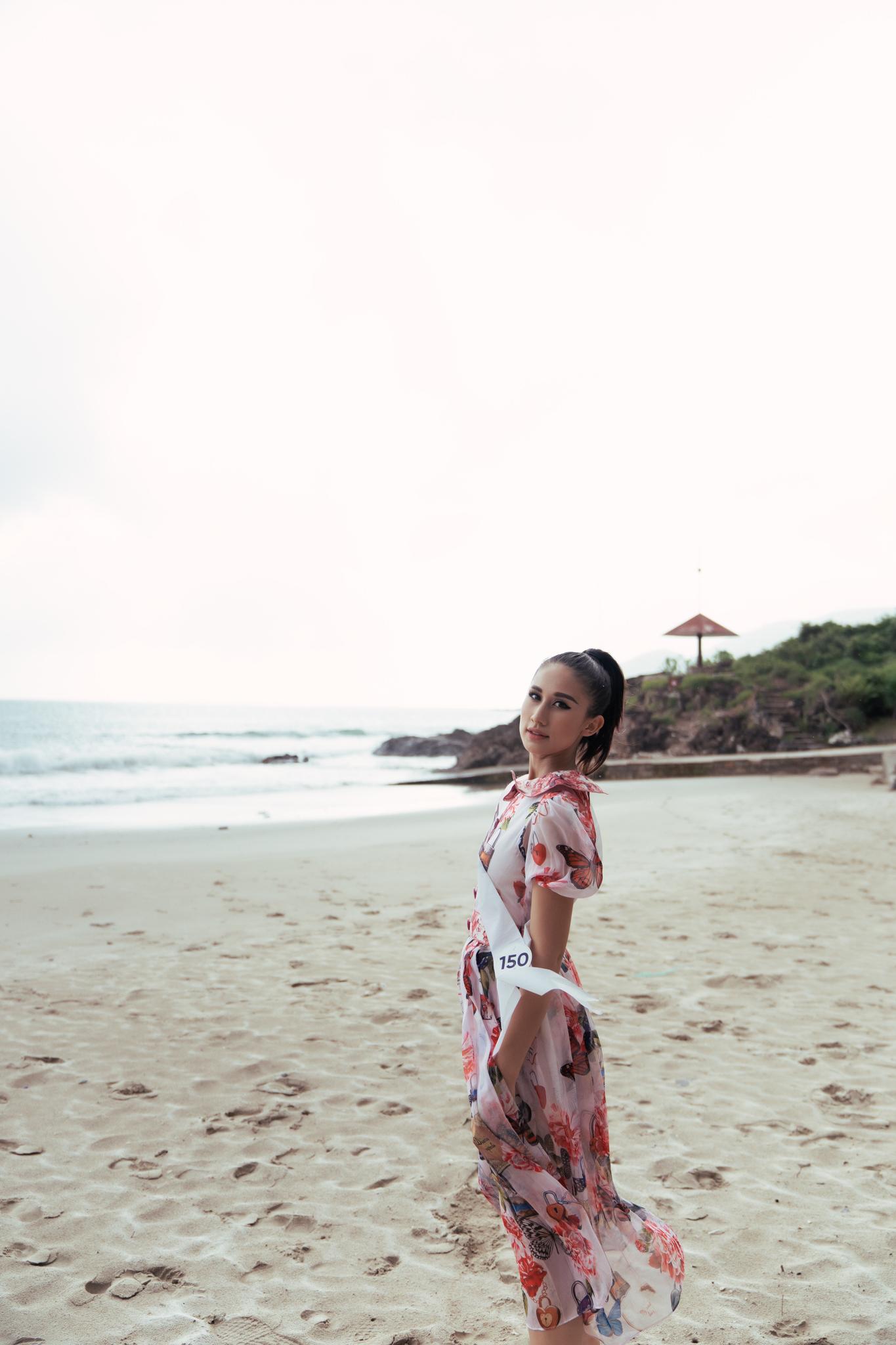 Top 45 thí sinh HHHV Việt Nam 2019 hóa nàng thơ tại bãi biển Nhũ Tiên1