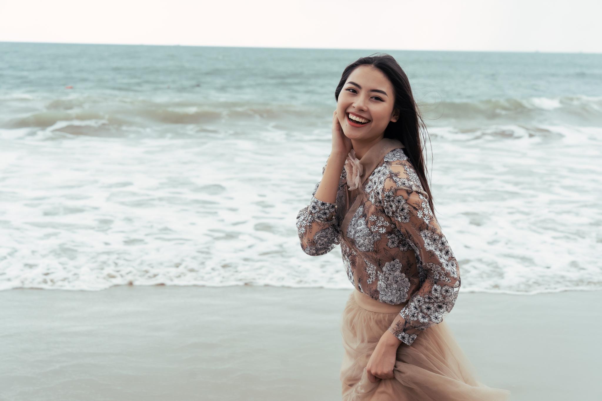 Top 45 thí sinh HHHV Việt Nam 2019 hóa nàng thơ tại bãi biển Nhũ Tiên6