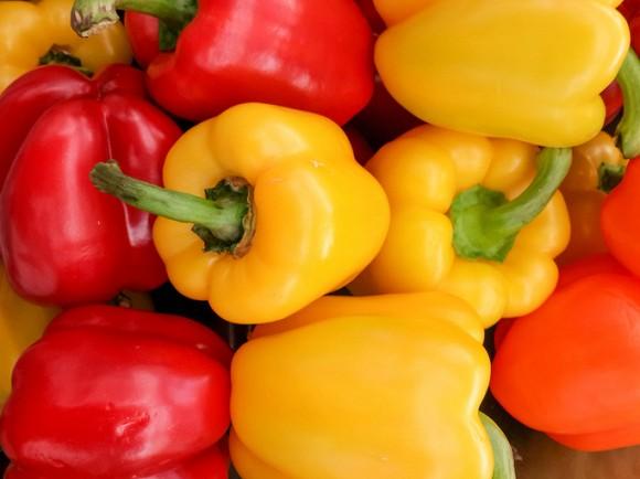 10.Top 10 trái cây, rau củ chứa nhiều vitamin A, người sử dụng nhiều điện thoại, máy tính không nên bỏ qua3