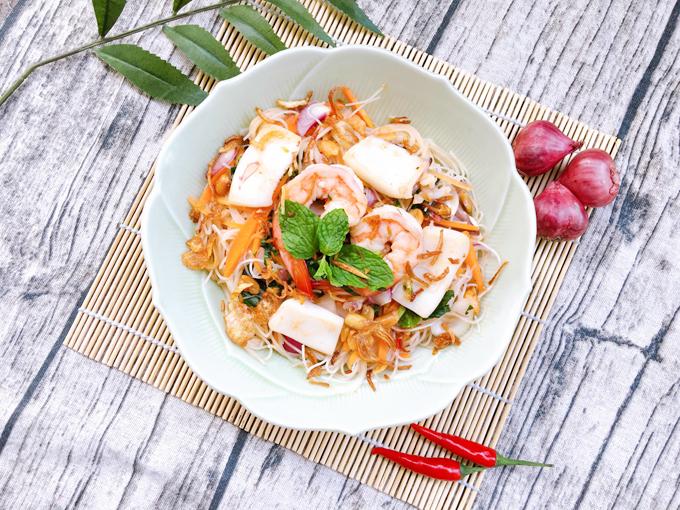 12.Bún gạo trộn hải sản