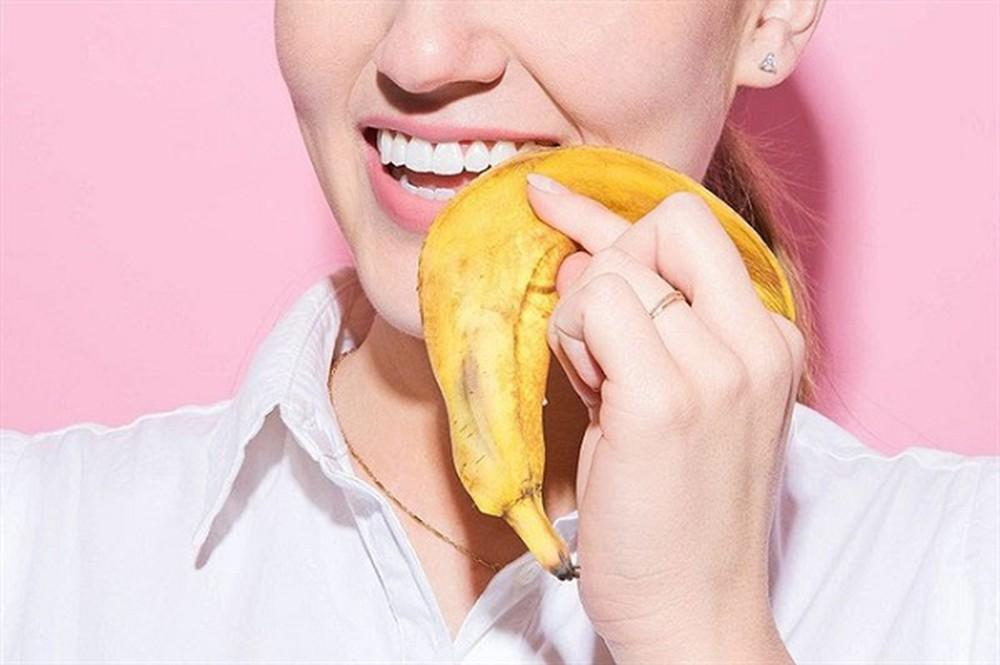 13.-4-loại-nguyên-liệu-giúp-răng-trắng-bất-ngờ2