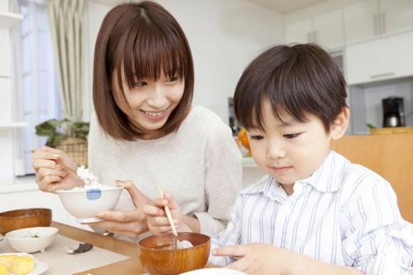 2.4 dấu hiệu cho thấy bố mẹ đang nuôi con tốt2