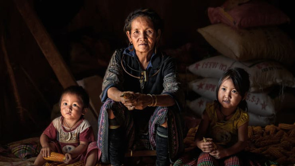 Tổ tiên người Mông ở Mù Cang Chải đã làm ra ruộng bậc thang từ hàng thế kỷ trước - Ảnh: Kiatanan Sugsompian