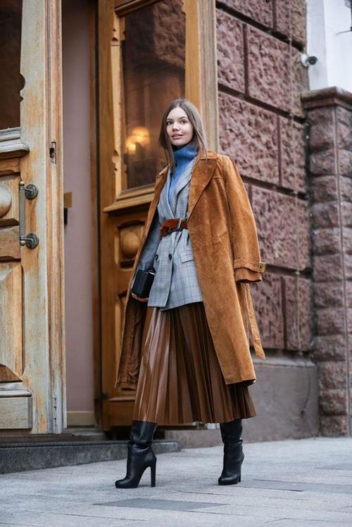 8.Phối các kiểu áo khoác với chân váy midi5