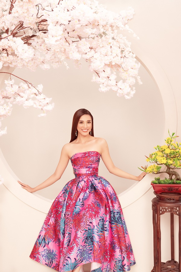 A Hau Kim Duyen_Dress by Do Manh Cuong (2)