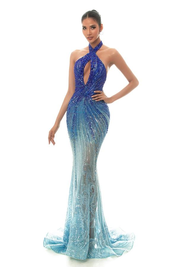 A hau Hoang Thuy_Dress by Hoang Hai (1)