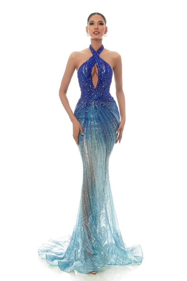 A hau Hoang Thuy_Dress by Hoang Hai (5)