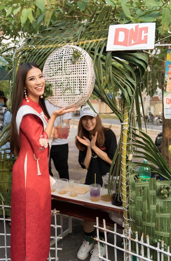 A hau Kim Duyen ve truong Dai Hoc Nam Can Tho (1)