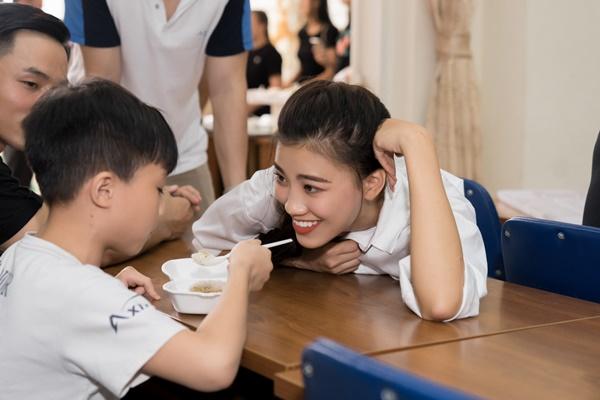 A hau Kim Duyen_Hoa Hau Hoan vu Viet Nam 2019 (34)