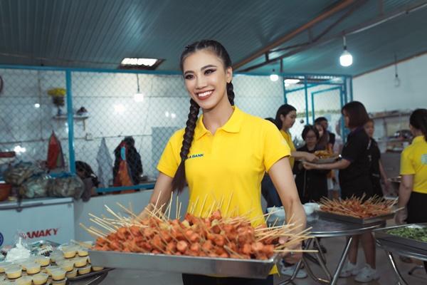 Den tham hoc sinh truong khiem thinh Lam Dong_Hoa hau Hoan vu Viet Nam 2019 (144)