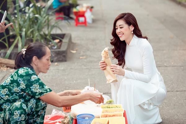 Hoa hau Khanh Van (24)