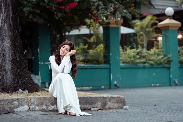 Hoa hau Khanh Van (40)