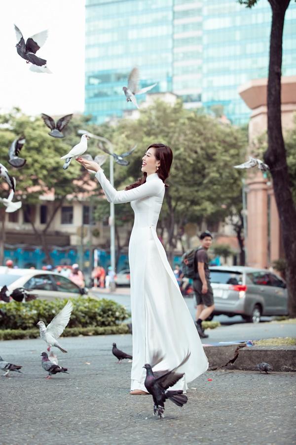 Hoa hau Khanh Van (49)