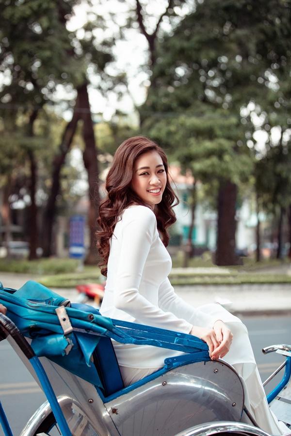 Hoa hau Khanh Van (9)
