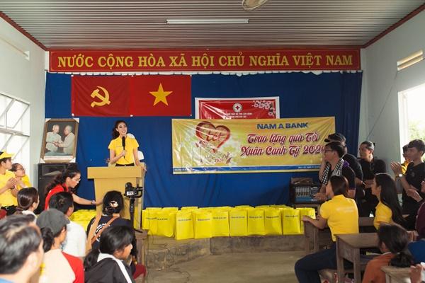 Hoat dong thien nguyen tai Bao Loc_Hoa Hau Hoan vu Viet Nam 2019 (40)