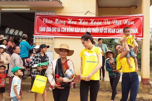 Hoat dong thien nguyen tai Bao Loc_Hoa Hau Hoan vu Viet Nam 2019 (61)