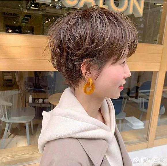 2.Kiểu tóc nào phù hợp với người tóc tơ mềm và mỏng3