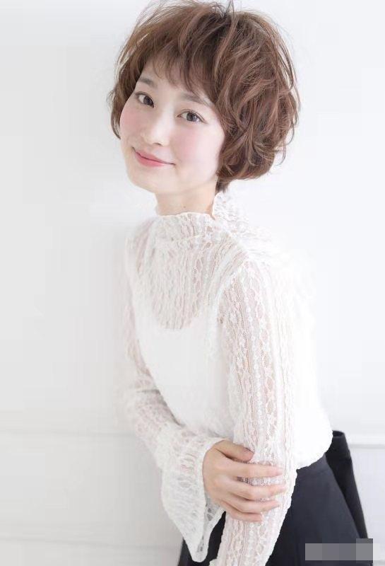 2.Kiểu tóc nào phù hợp với người tóc tơ mềm và mỏng8