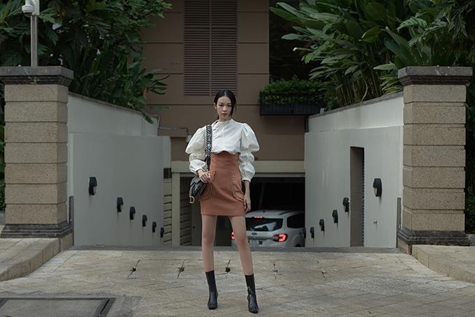 23.Sao Việt mê váy lưng cao, áo tay bồng3