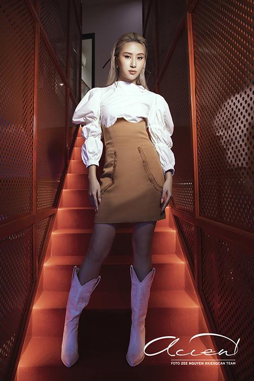 23.Sao Việt mê váy lưng cao, áo tay bồng8