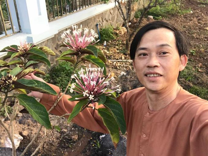 3.Cuộc sống của NSƯT Hoài Linh ở tuổi 51 2