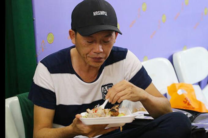 3.Cuộc sống của NSƯT Hoài Linh ở tuổi 51 8