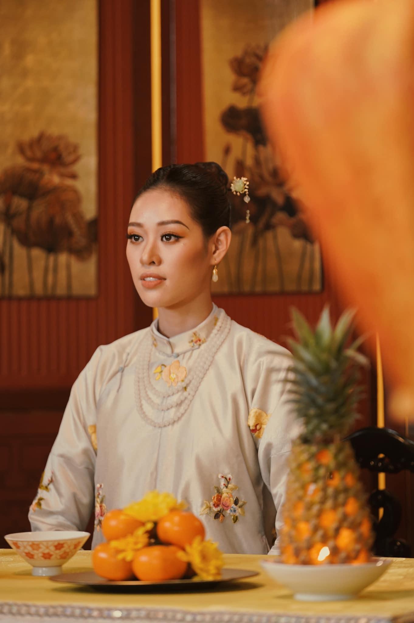 7 Hoa hau Khanh Van