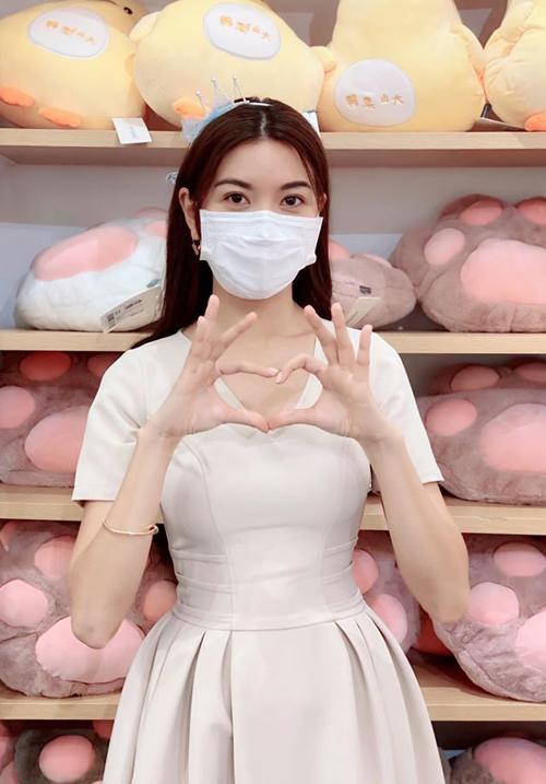 7.Sao Việt mặc sành điệu vẫn không quên khẩu trang3