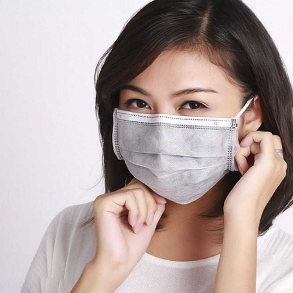 8. Chăm sóc da mặt khi đeo khẩu trang thường xuyên