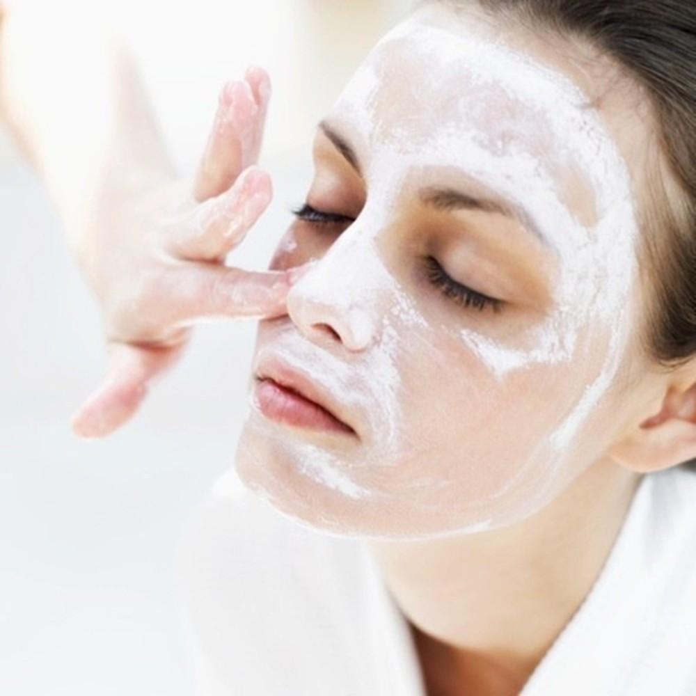 8. Chăm sóc da mặt khi đeo khẩu trang thường xuyên3