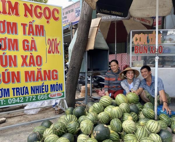 A hau Kim Duyen tang dua hau  (6) (1)