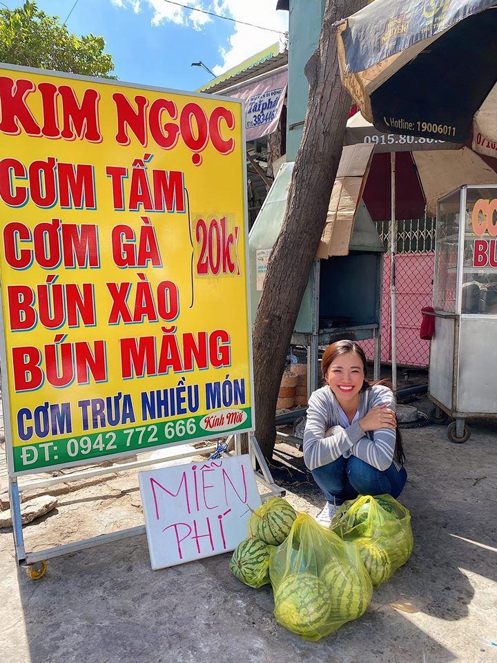 A hau Kim Duyen tang dua hau (8)