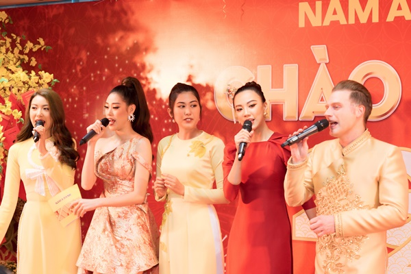 Cac nguoi dep Hoa hau Hoan vu Viet Nam khai truong dau nam (6)
