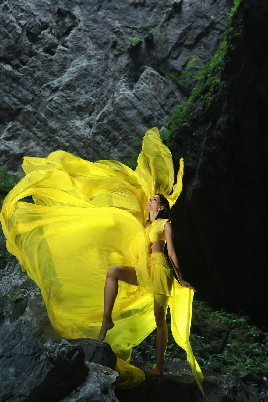 Hoa hau HHen Nie_Dress by Le Thanh Hoa (1)