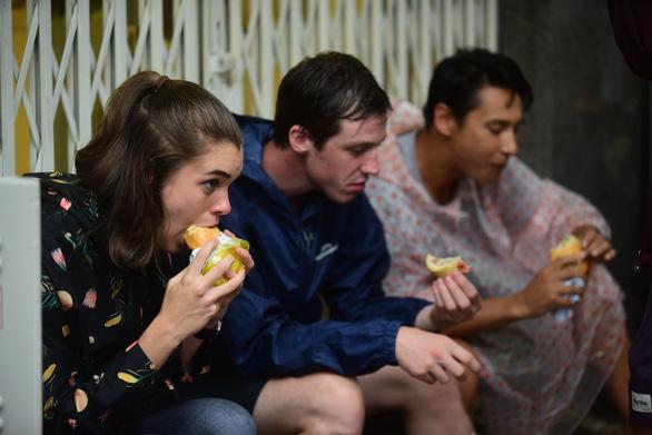Bánh mì Sài Gòn thôi thúc bất kỳ du khách nào đến TP.HCM cũng phải thưởng thức - Ảnh: QUANG ĐỊNH
