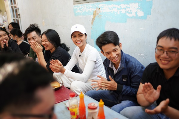 Hoa hau HHen Nie_Banh Mi (1)