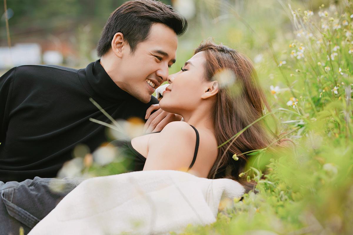 Lương Thế Thành - Thúy Diễm kỉ niệm tình yêu bằng bộ ảnh ngọt ngào