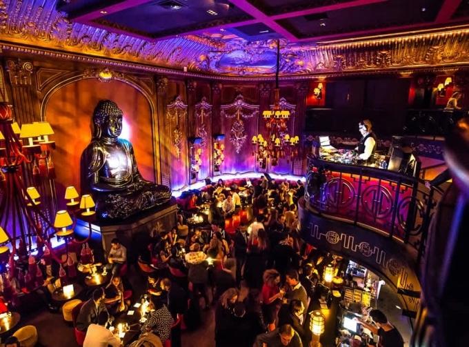 Buddha bar ở Paris.