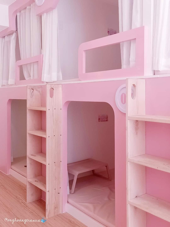 cafe màu hồng1