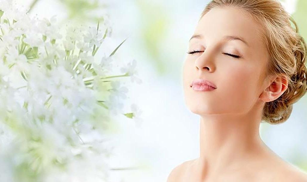 Mùa dịch, thay vì ra spa, phụ nữ hoàn toàn có thể chăm sóc da tại nhà