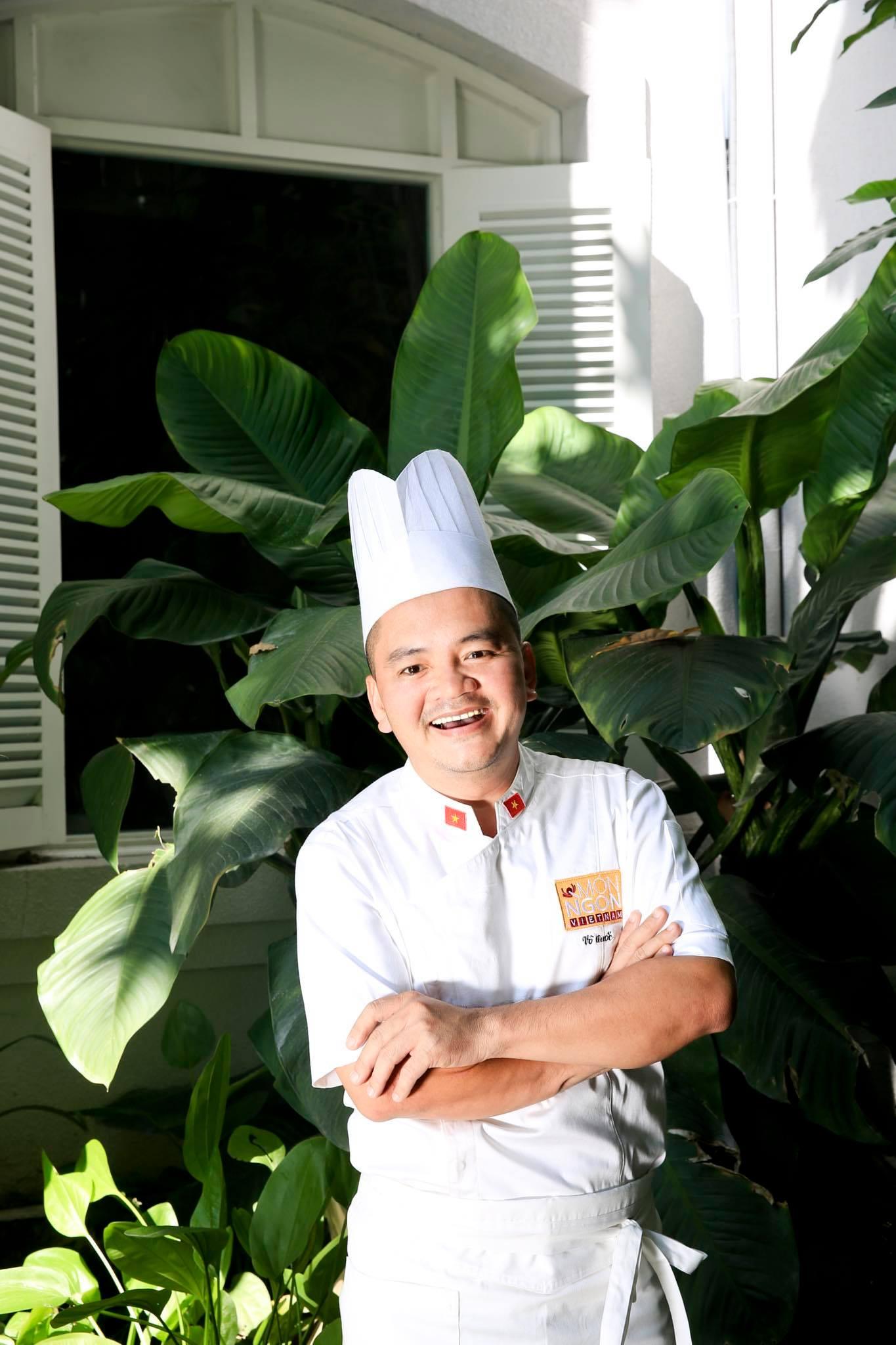 Đầu bếp Võ Quốc - một trong những đầu bếp nổi tiếng tại Việt Nam sẽ đồng hành cùng bạn trong số đầu tiên của Cooking Online Class