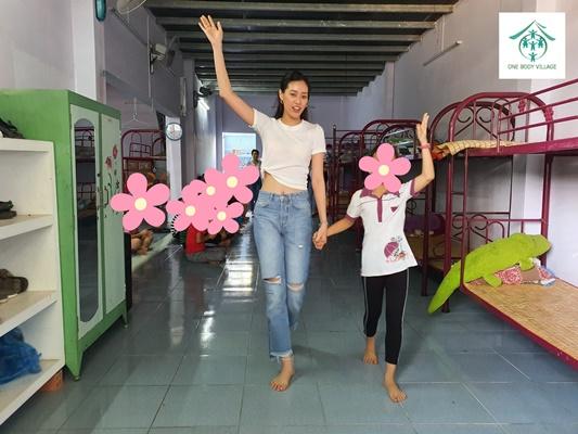Hoa hau Khanh Van_OBV (8)