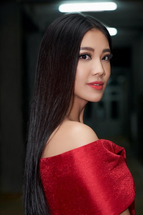 A hau Kim Duyen giam khao cuoc thi Dau ngoac kep05214