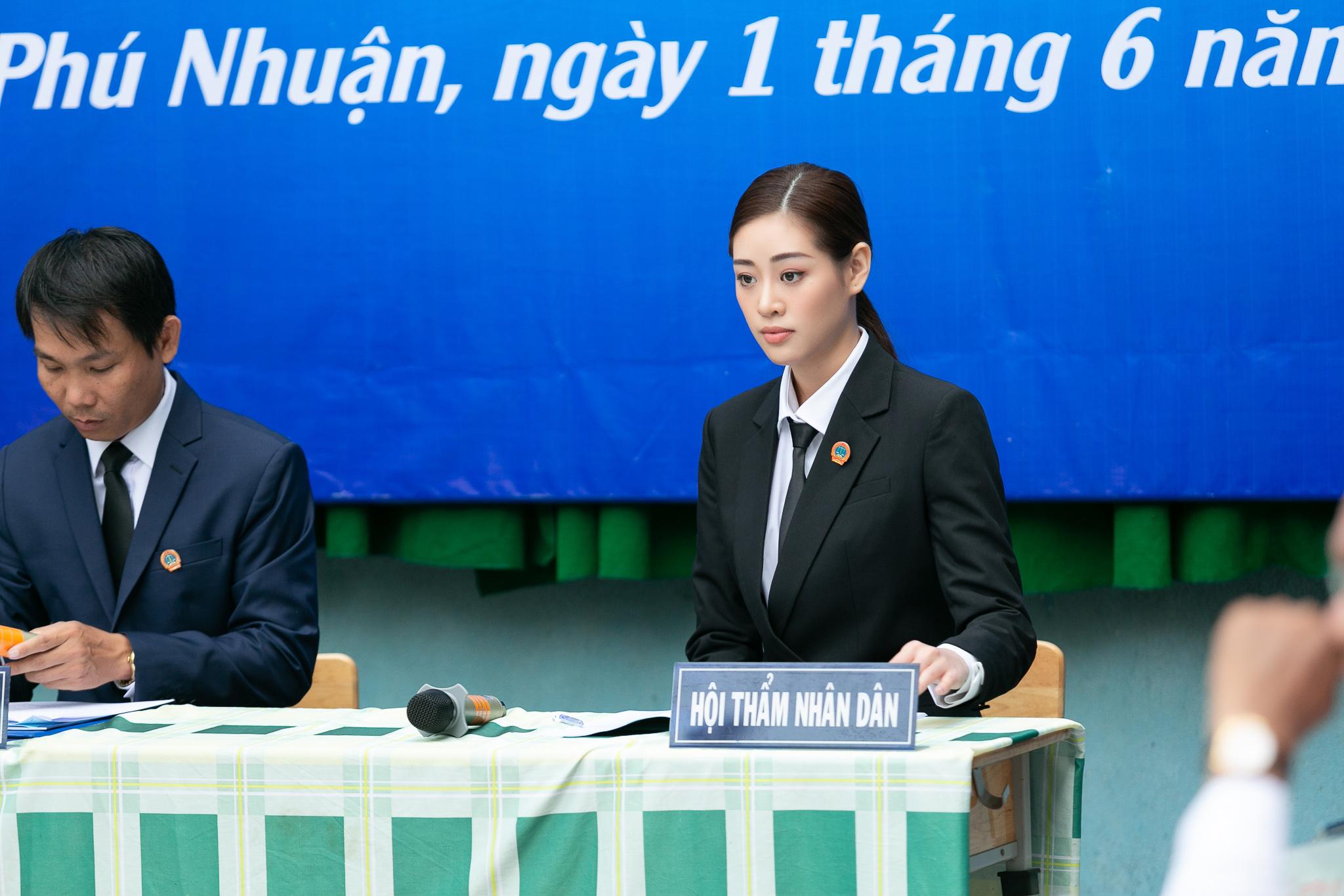 Hoa Hau Khanh Van_Phien toa gia dinh (31)