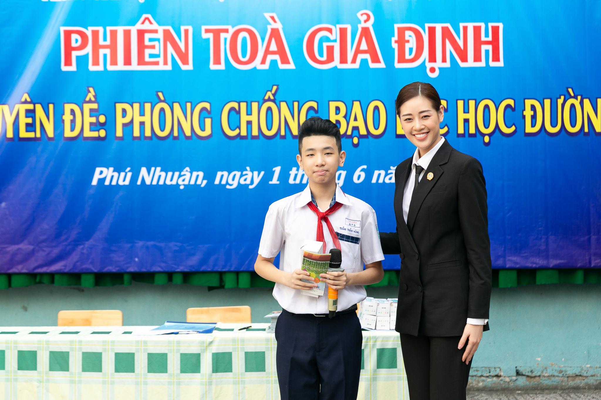 Hoa Hau Khanh Van_Phien toa gia dinh (46)