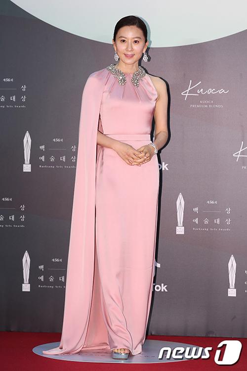 kim-hee-ae1-2509-1591347485