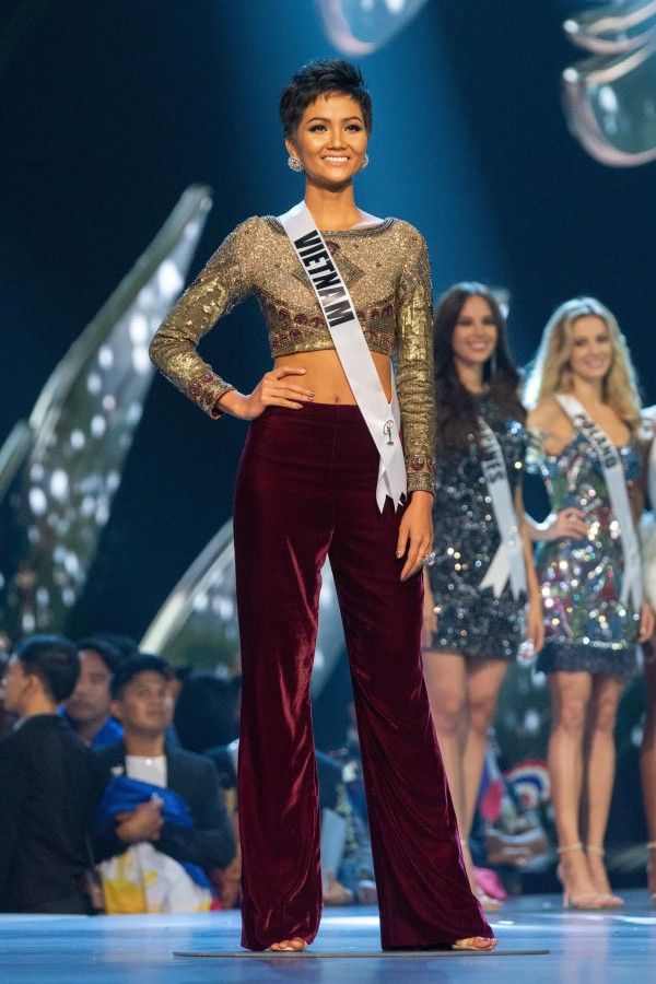 H'Hen Nie, Miss Vietnam 2018 is announced as a Top 10 finalist in fashion by Sherri Hill during The MISS UNIVERSE® Competition airing on FOX at 7:00 PM ET live/PT tape-delayed on Sunday, December 16, 2018 from the IMPACT Arena in Bangkok, Thailand. Contestants from around the globe have spent the last few weeks touring, filming, rehearsing and preparing to compete for the Miss Universe crown. HO/The Miss Universe Organization