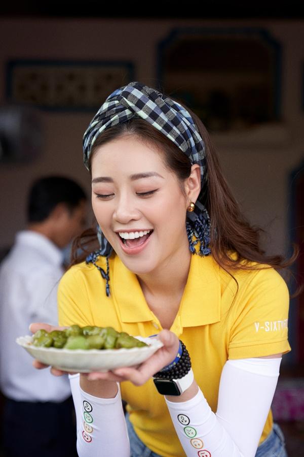 Hoa hau Khanh Van kham pha Long An13