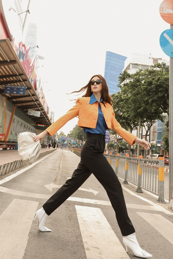 Hoa hau Khanh Van_Street Style10