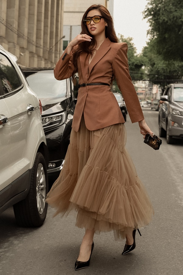 Hoa hau Khanh Van_Street Style19
